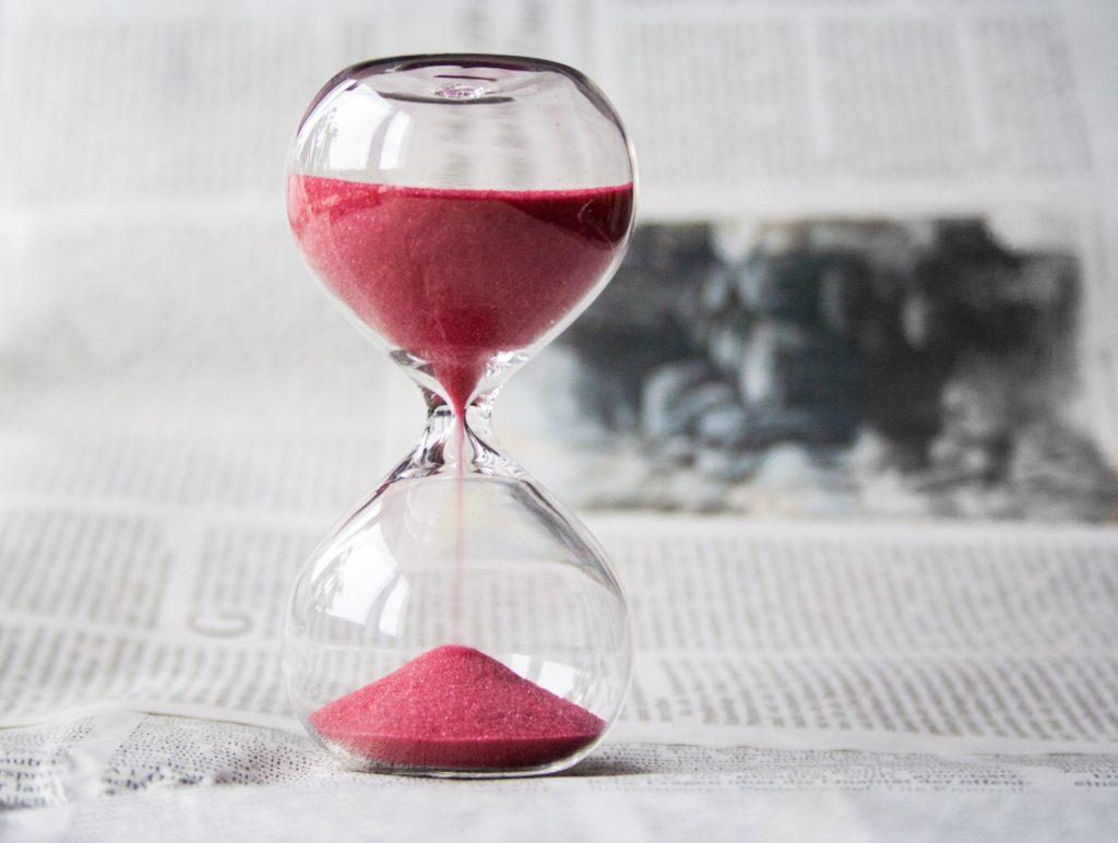 valor del tiempo reloj arena