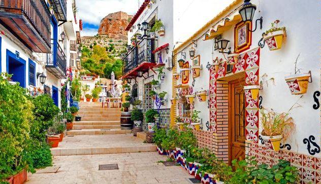 calle Alicante vista del castillo